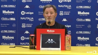 Juan Antonio Anquela aseguró que han bajado el nivel en cada partido. Captura/YouTube/ADAlcorcón