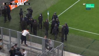 El OM-Galatasaray se paró por los ultras turcos. Captura/MovistarLigade