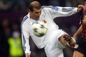 Leboeuf recordó que a Zidane no le dieron el Balón de Oro por haber sido expulsado. AFP