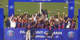 El PSG femenino se proclamó campeón de la Liga Francesa. Captura/ATAFootball