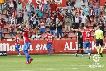 El Sporting venció a un Málaga batallador en casa. LaLiga