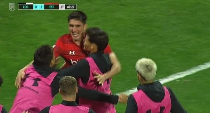 Estudiantes marcó el segundo tanto cerca del final. Captura/TNTSportsArgentina