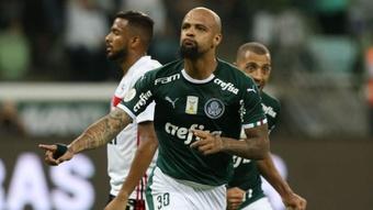 Felipe Melo celebra un gol con Palmeira ante Sao Paulo.  EFE