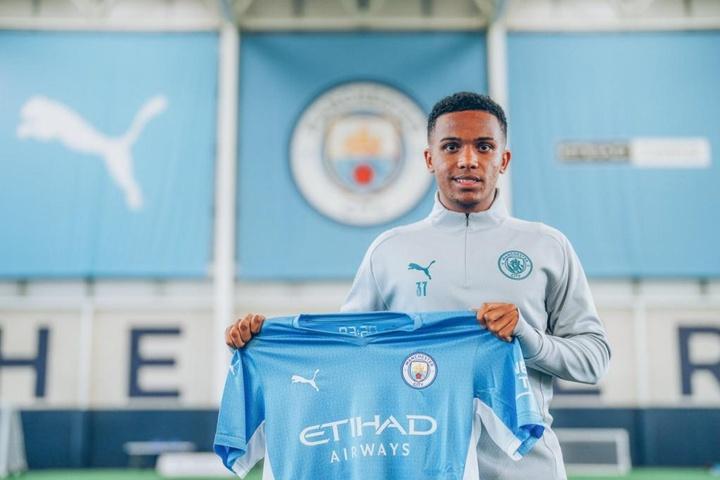 Le premier entraînement de Kayky avec Manchester City. dugout