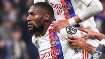 El Lyon ganó 2-0 al Mónaco. AFP