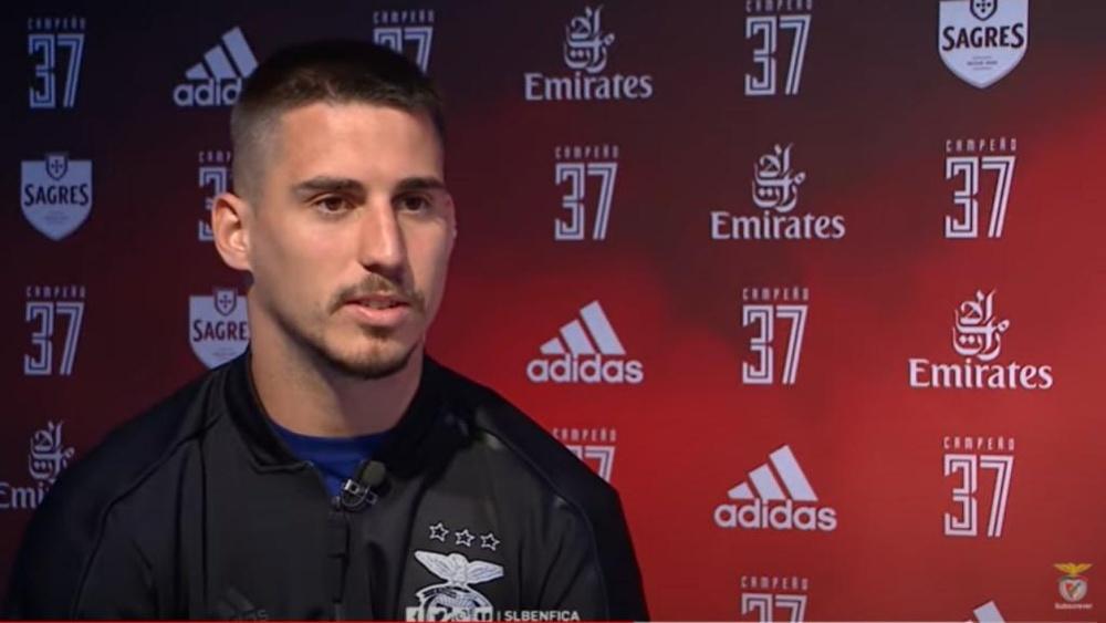Todavía no hay acuerdo entre Gabriel Pires y el Benfica. Captura/SportLisboaBenfica