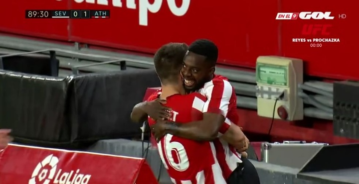 El curioso momento de los Williams en el Sevilla-Athletic. Captura/GOL