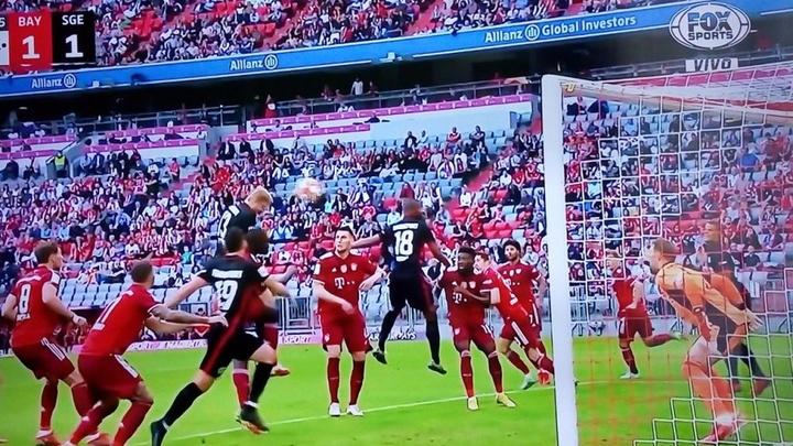 Hinteregger empató ante el Bayern. Captura/FOXSPorts