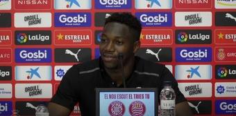 Ibrahima Kebé extiende su contrato con el Girona hasta 2024. Captura/GironaFC