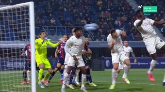 Zlatan a marqué le premier csc de sa carrière. Capture/MovistarLigadeCampeones