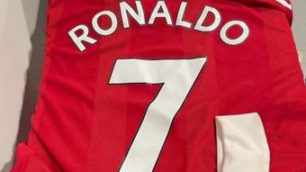 Imitou a comemoração de CR7 em Old Trafford e ganhou a camisa do luso! Instagram/androstownsend