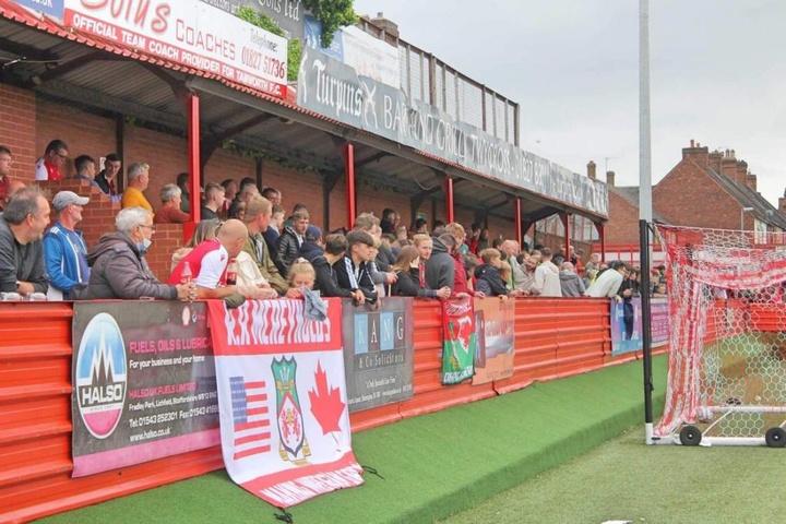 El Wrexham AFC, un equipo especial en el fútbol inglés. Twitter/Wrexham_AFC