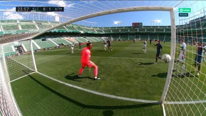 El Atlético hizo el 0-1 tras el gol anulado a Suárez. Captura/Movistar
