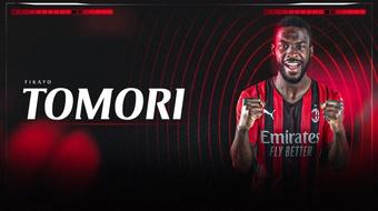 Milan officialise Tomori, qui signe jusqu'en 2025. ACMilan
