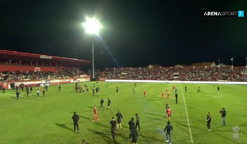 Velez Mostar ultras burned the referee's car. Screenshot/ArenaSport1