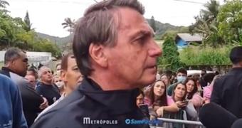 Jair Bolsonaro no pudo entrar al Santos-Gremio al no estar vacunado. Captura/Metropoles