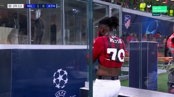 Kessie was sent off for two fouls on Marcos Llorente. Screenshot/MovistarLigadeCampeones