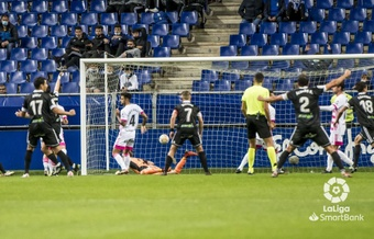 El Burgos se llevó sus primeros tres puntos a domicilio de la temporada. LaLiga