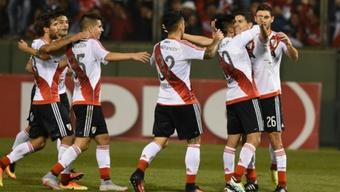 Los jugadores de River Plate celebran uno de los goles logrados ante Estudiantes de San Luis. CARP