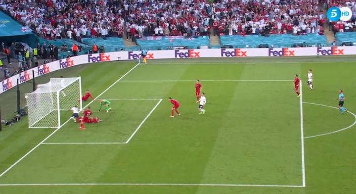 Kjaer se marcó gol en propia puerta. Captura/Telecinco