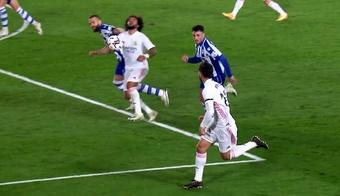 El VAR no señaló penalti. Captura/MovistarLaLiga