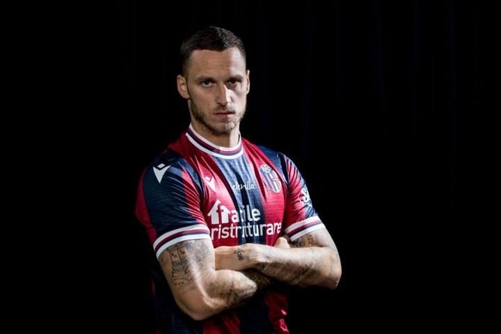 Arnautovic, novo jogador do Bologna. BfcOfficialPage
