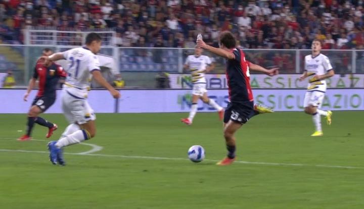 Mattia Destro hizo un doblete contra el Hellas Verona. Captura/DAZN