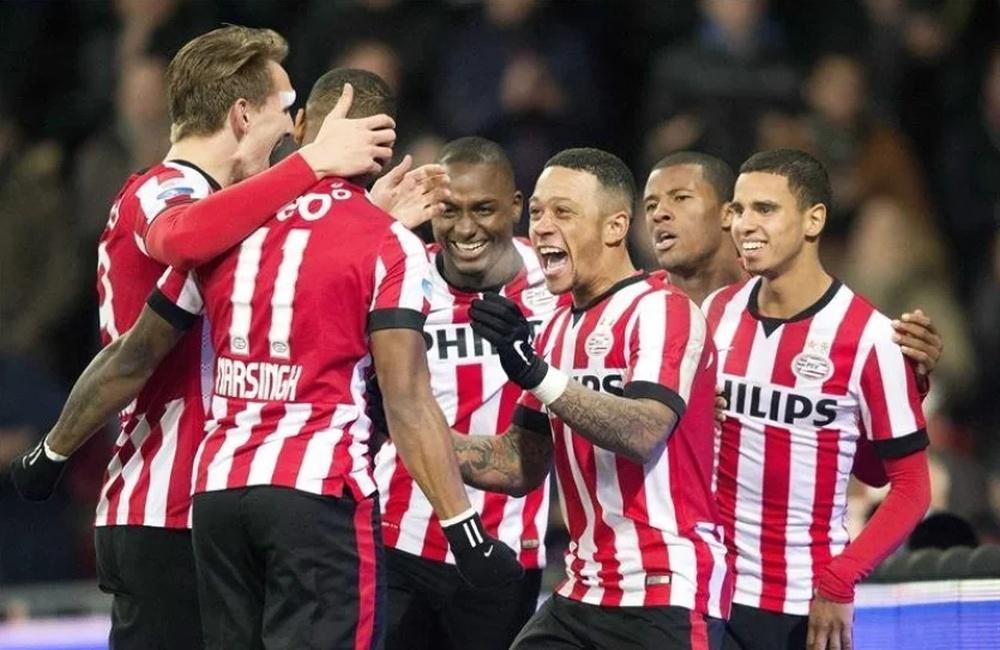 De Jong y Depay ya compartieron delantera en el PSV. EFE