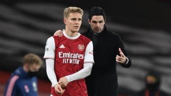 El Arsenal se agarra a la creación de Odegaard en ataque. AFP