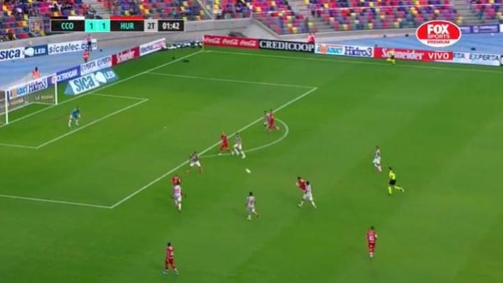 Ibáñez marcó un golazo tremendo para dar la victoria a Huracán. Captura/FoxSports