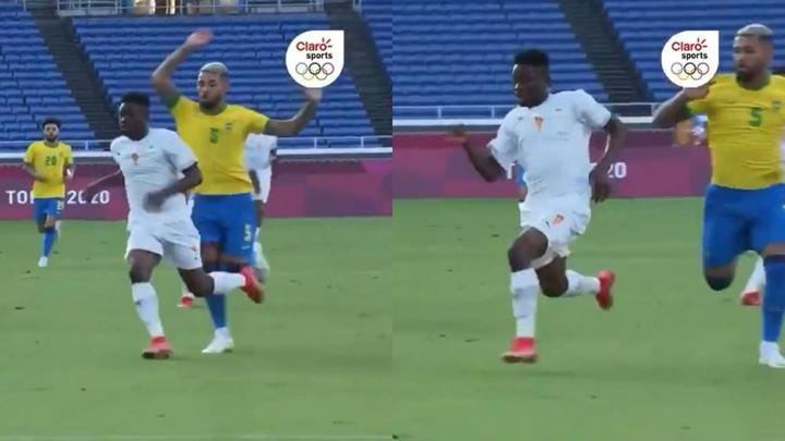 Brasil se quedó con diez jugadores por una entrada inexistente. Captura/ClaroSports