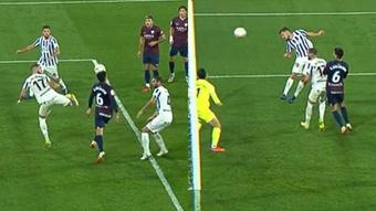 El árbitro anuló el gol de Genaro Rodríguez por fuera de juego. Captura/MovistarLaLiga