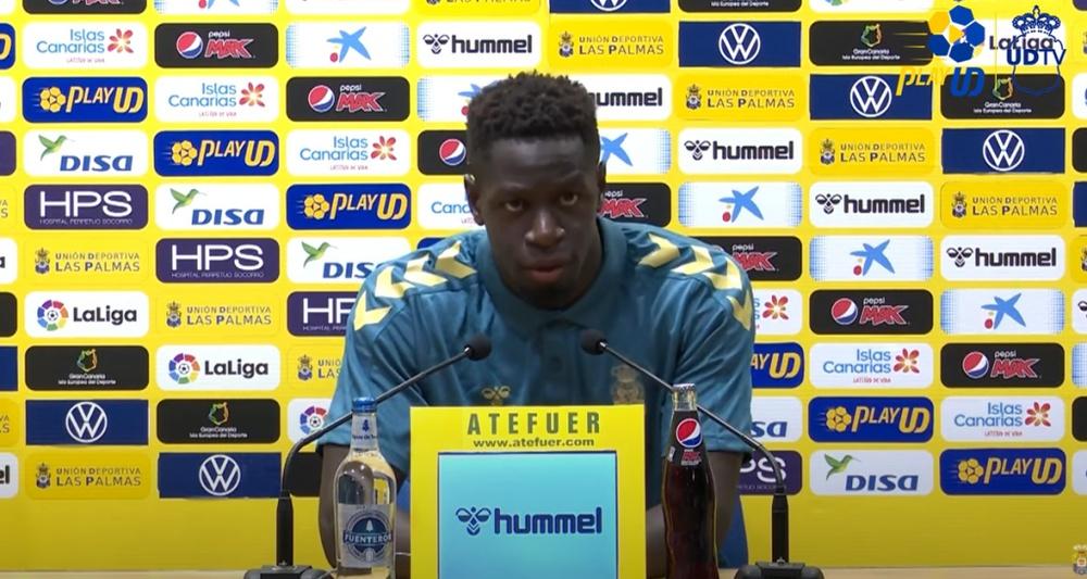 Mfulu acudió a rueda de prensa para hablar sobre el derbi ante el Tenerife. Twitter/UDLP_Oficial