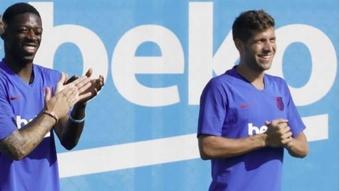 Alemany subrayó que Dembélé y Sergi Roberto quieren renovar. EFE