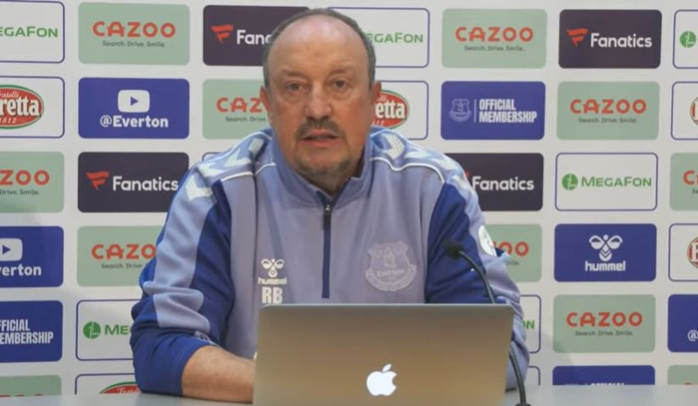 Rafa Benítez explicó por qué se produjo la salida de James Rodríguez. Captura/Everton