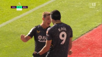 Raúl Jiménez volvió a marcar con los Wolves. Captura/DAZN