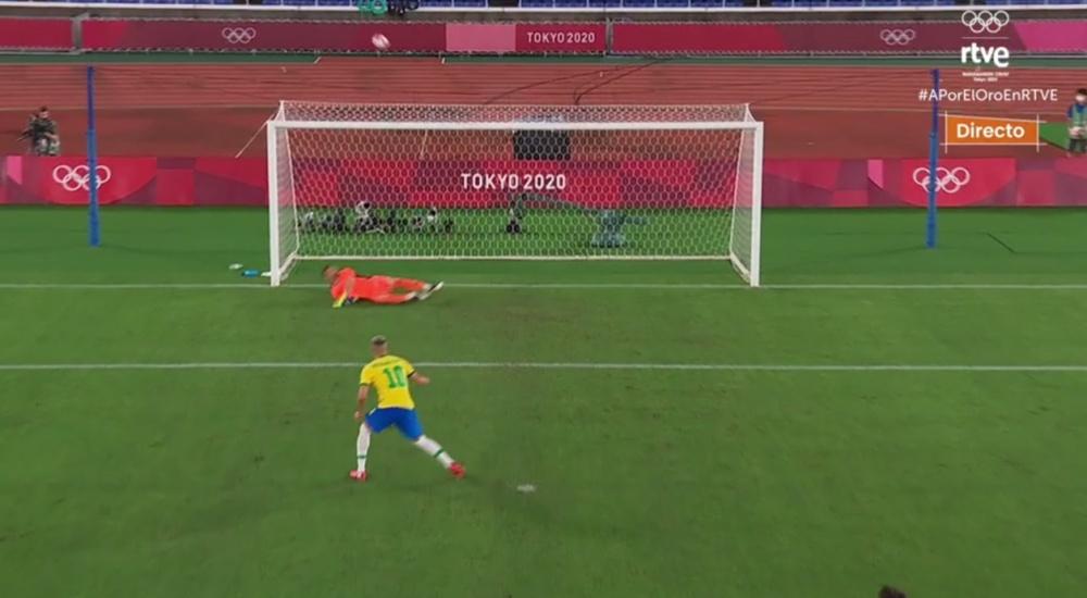 Richarlison perdonó a España desde el punto de penalti. Captura/TVE