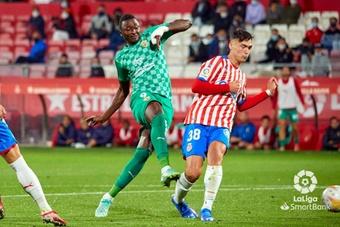 El Almería ganó 1-2 y ya es nuevo líder de Segunda. LaLiga