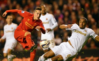 Samed Yesil llegó a jugar en Anfield. AFP