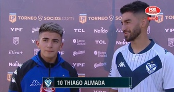 Thiago Almada le dedicó los goles a Pratto. Twitter/SC_ESPN