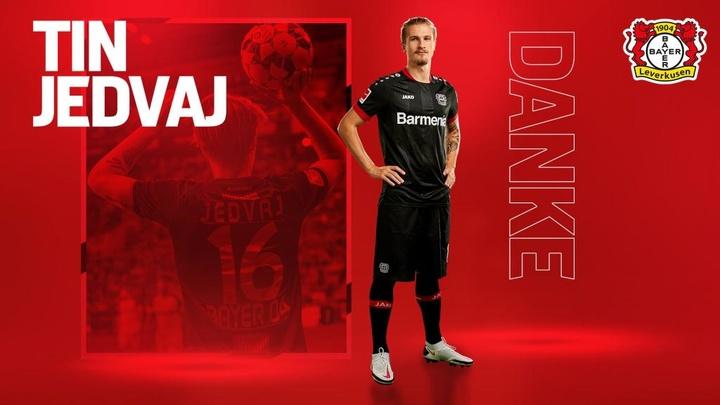 Tin Jedvaj se despide del Bayer 04 Leverkusen. Twitter/Bayer04fussball