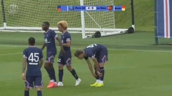 Achraf makes great debut in PSG's first victory. Screenshot/PSG