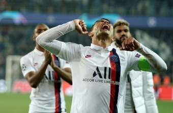 Former PSG defender Thiago Silvas Paris home was burgled. AFP