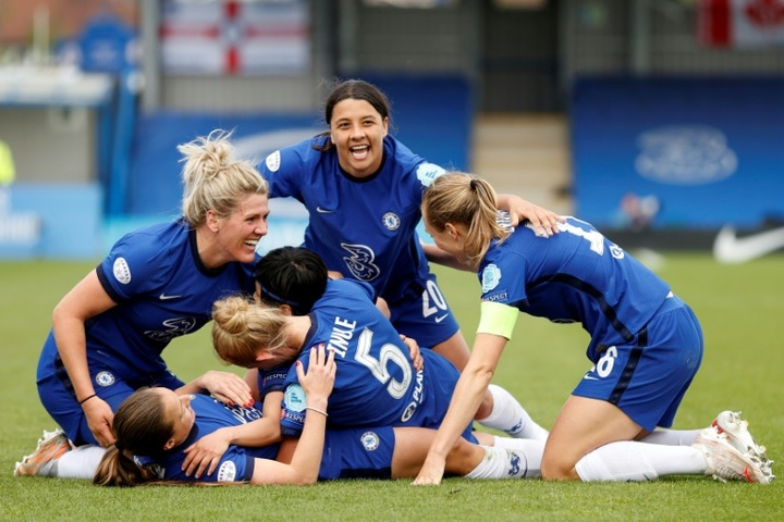 Chelsea and Barcelona clash as new era dawns in women's Champions League