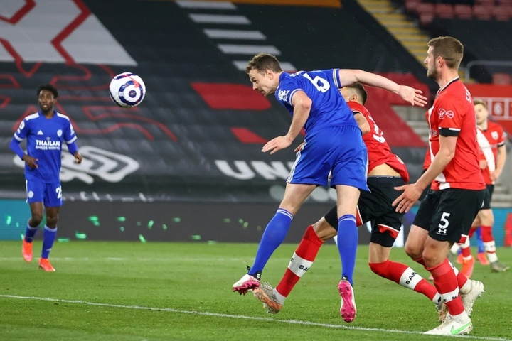 Leicester rescue draw at 10-man Southampton