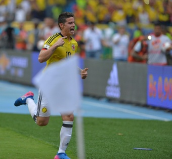 Colombias midfielder James Rodriguez gave the middle finger to journalists