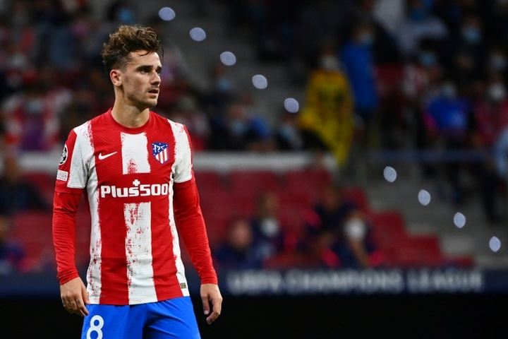 Antoine Griezmann and Atletico Madrid were beaten by Alaves. AFP