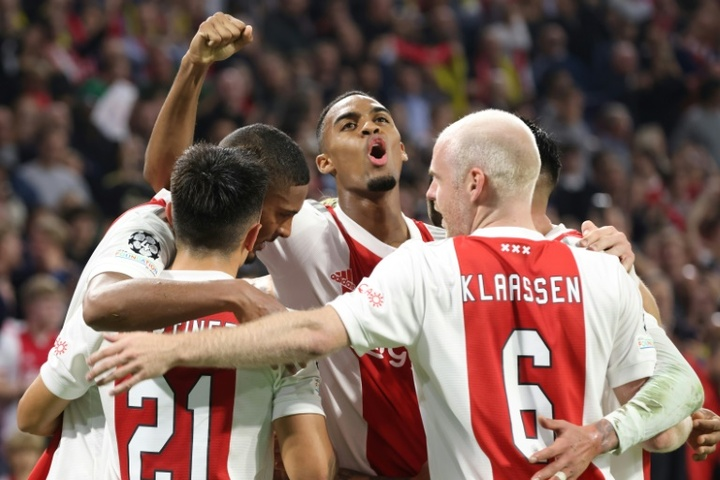 Sebastien Haller (C) netted in Ajax's 4-0 thrashing of Dortmund. AFP