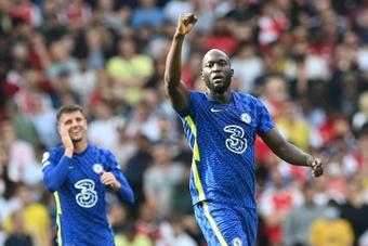 Romelu Lukaku (R) scored as Chelsea beat Arsenal 0-2. AFP
