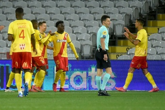 Lens cut PSG lead to six points in empty stadium. AFP